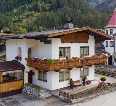 Apart_Romana_Kumbichl_870_Mayrhofen_Haus_aussen