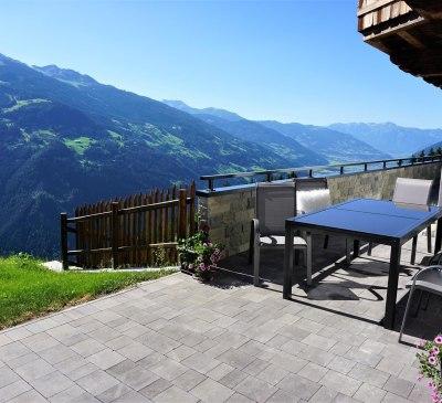 Genießen Sie die Ruhe auf der Terrasse