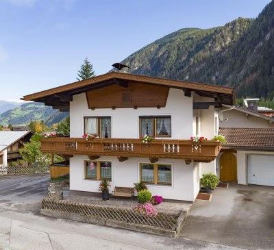 Apart_Romana_Kumbichl_870_Mayrhofen_Haus_aussen_2